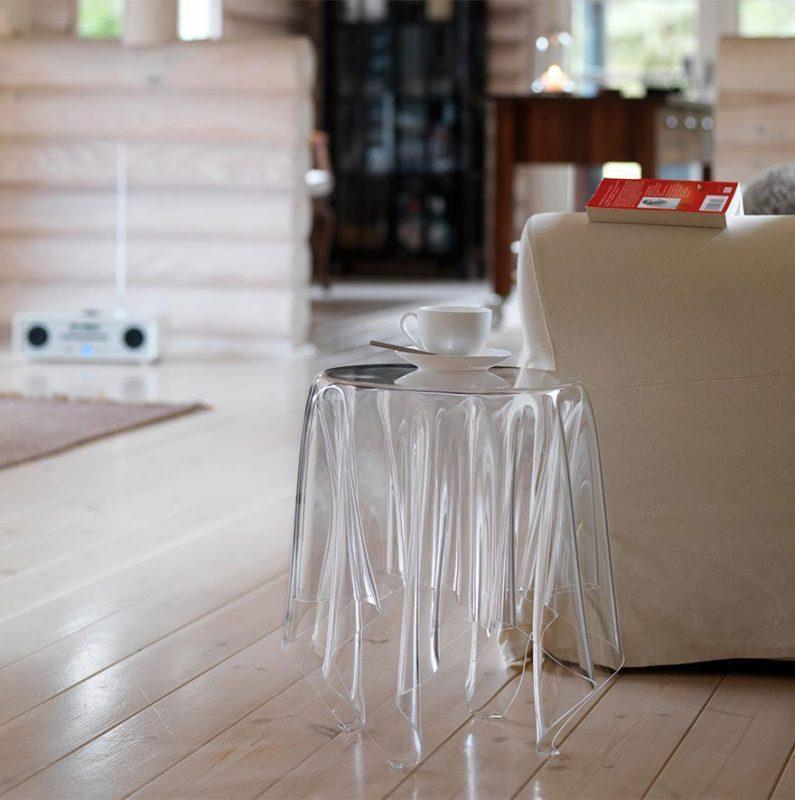 Мебель из прозрачного пластика